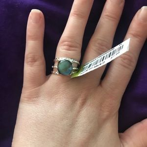 Jewelry - NWT stackable ring set, blue stone